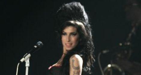 Amy Winehouse idzie na odwyk