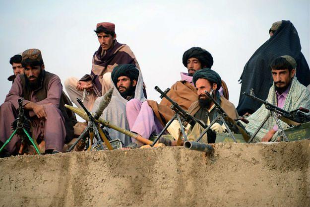 Bojownicy jednej z afgańskich frakcji talibów, listopad 2015 r.