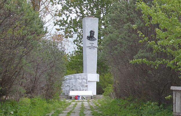 Pomnik generała Armii Czerwonej Iwana Czerniachowskiego w Pieniężnie