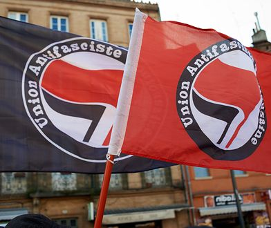 Francja. Antifa oskarżana o atak na procesję katolików w Paryżu