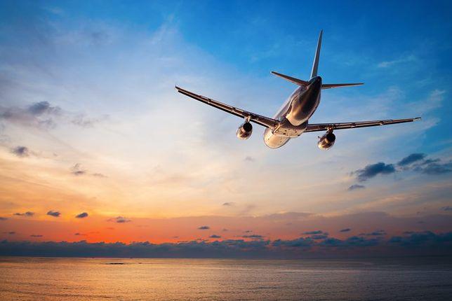 Lotnicza ciuciubabka z pasażerami za miliony euro