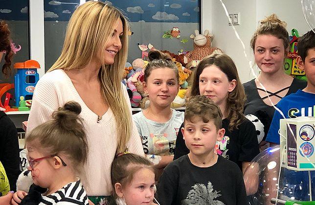 Małgorzata Rozenek w Centrum Zdrowia Dziecka