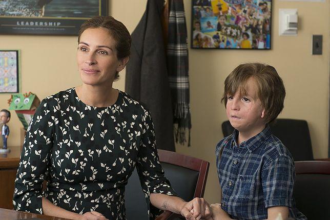 """Julia Roberts i Jacob Tremblay w filmie """"Cudowny chłopak"""""""