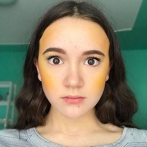 Czy kontrowersyjny makijaż zyska popularność poza siecią?
