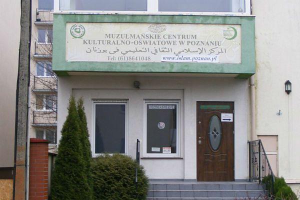 Poznańscy muzułmanie modlą się w meczecie przy ul. Biedrzyckiego.