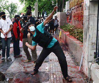 Starcia w Tajlandii. Policja uderzyła w studentów