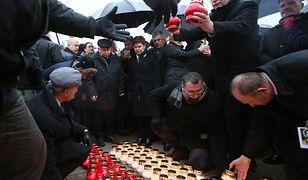 Miesięcznica smoleńska. Msza i przepychanki pod Pałacem Prezydenckim