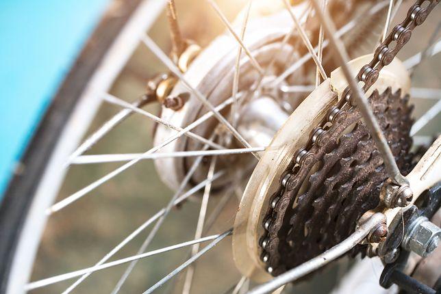 """Zostawiłeś rower w złym miejscu? """"Odholuje"""" go straż miejska, a Ty za to zapłacisz"""