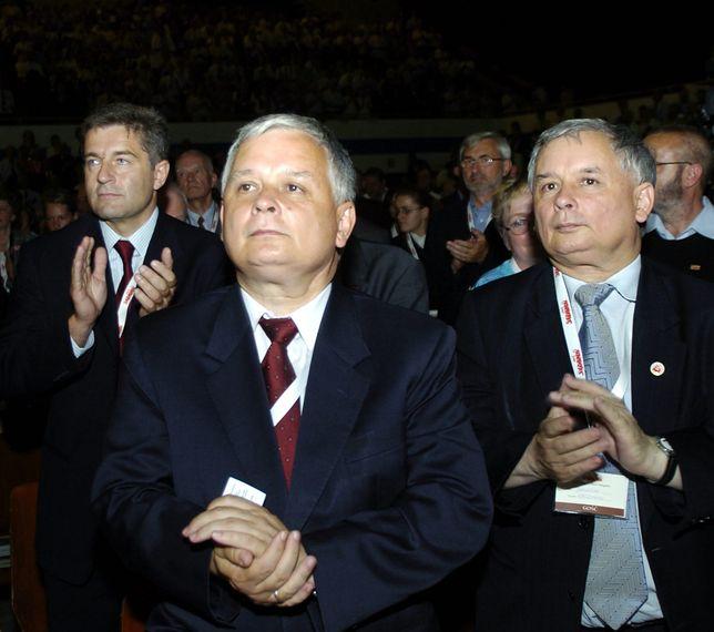 Od lewej: Władysław Frasyniuk, Lech i Jarosław Kaczyński