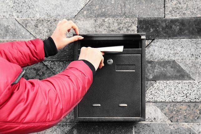Dobra skrzynka na listy powinna skutecznie chronić papierową korespondencję przed wilgocią
