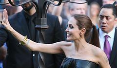 Żylaste ręce Angeliny Jolie