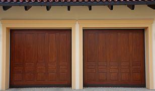 Podwójna brama garażowa czy dwie pojedyncze?