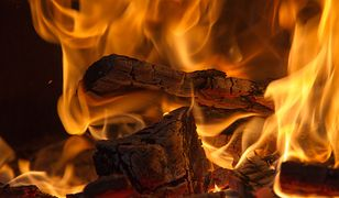 Cztery najważniejsze zalety palenia w kominku