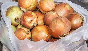 Nowa Zelandia leży po drugiej stronie globu, ale to nie przeszkadza w ściąganiu stamtąd cebuli