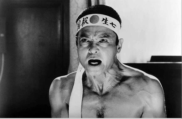 "Kadr z filmu ""Mishima"""