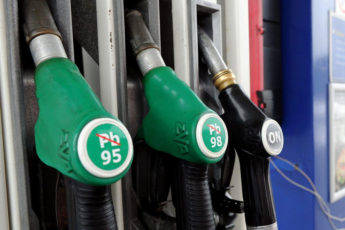Benzyna na stacjach wyraźnie podrożała. To efekt problemów w Ameryce