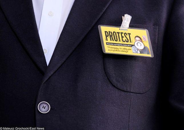 Strajk nauczycieli. Ile naprawdę zarabia się w szkole?