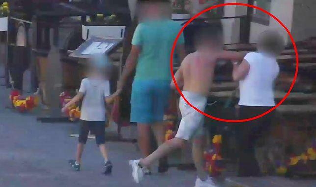 Warszawa. Atak na turystkę na Nowym Świecie. Bandyta złamał jej oczodół
