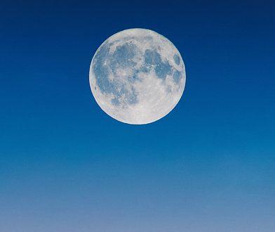 Niebieski Księżyc zaświeci w Halloween na całym świecie. Po raz pierwszy od 76 lat