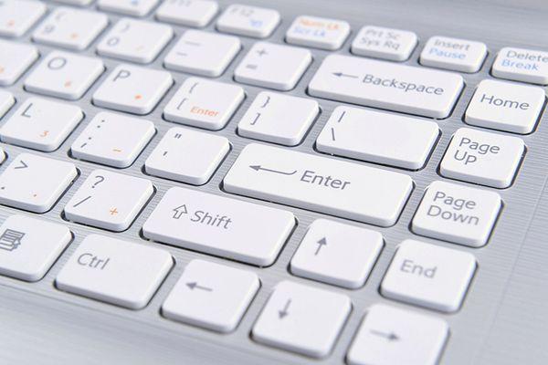 Komputery z Izby Reprezentantów USA odcięte od Wikipedii