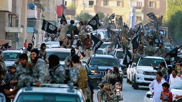 ISIS zabrania chrześcijanom opuszczać Rakkę. Organizacja RBSS ostrzega: to przygotowania do egzekucji