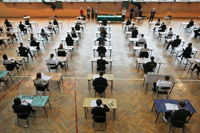 MEN w rozporządzeniach poszerza skład zespołów egzaminacyjnych