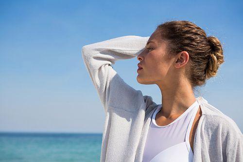 Kok opleciony warkoczem to niezwykle kobieca i zmysłowa fryzura
