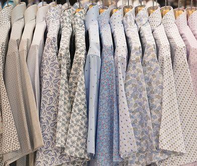 Panowie wciąż zakładają koszule z krótkim rękawem na ważne uroczystości i spotkania