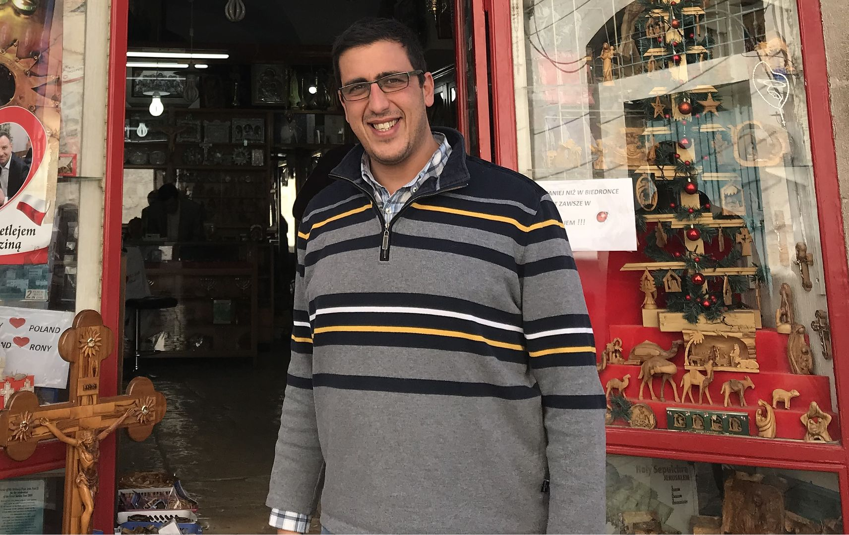 """Do tego sklepu w Betlejem Polacy wchodzą jeden za drugim. """"Przyszedł nawet Duda"""""""