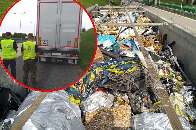 Nielegalny przemyt z Niemiec udaremniony. 20 ton śmieci w ciężarówce