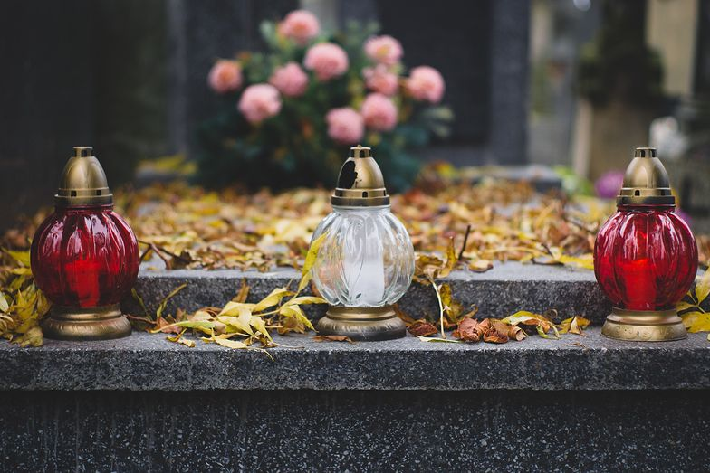 Horror na cmentarzu. Śmierć na pogrzebie