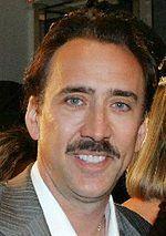 Zobacz, jak zły Nicolas Cage grozi staruszkom