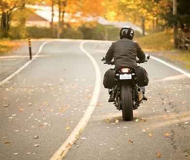 Jazda jesienią na motocyklu. Na co trzeba uważać?