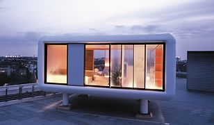 Dom, który składa się z samych okien. Zdjęcia domu prefabrykowanego