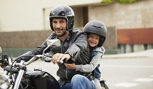 Na motocyklu można jeździć z dzieckiem.