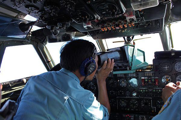 Wznowiono poszukiwania zaginionego malezyjskiego samolotu