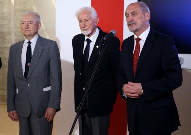 Spór o Apel Pamięci. Kulisy negocjacji z MON i prośba Hanny Gronkiewicz-Waltz o dodanie Władysława Bartoszewskiego
