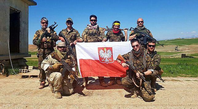 Pierwszy kontakt z Polakami walczącymi przeciwko ISIS. Jeden z nich ciężko ranny