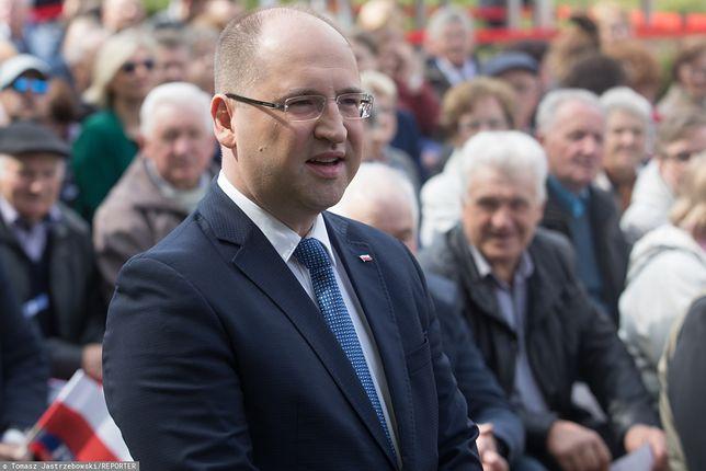 Adam Bielan podczas Pikniku Patriotycznego w Pułtusku, maj 2019 r.
