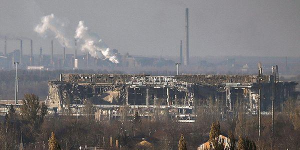 """""""Strzelają i padają bomby na ulicach"""". Polacy z Donbasu bez złudzeń"""