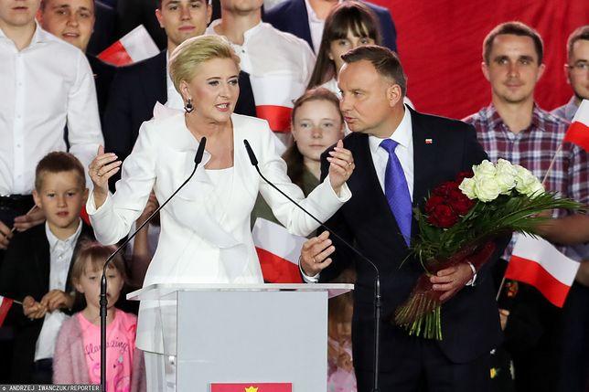 Zwycięzca wyborów prezydenckich Andrzej Duda z małżonką