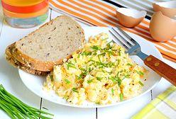 Najzdrowsze połączenie na śniadanie. Co dodać do jajek?