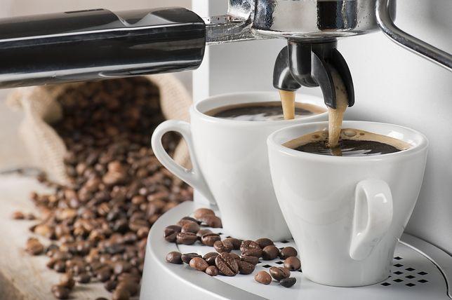 Kawa w ekspresie ciśnieniowym czy przelewowym? Obie smakują inaczej