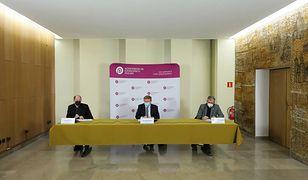 """""""To niesłychane!"""". Bartosz Arłukowicz o oświadczeniu Episkopatu ws. Johnson&Johnson i AstraZeneca"""