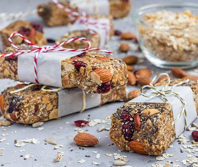 Dobrej jakości baton proteinowy powinien być wzbogacony ziarnami zbóż