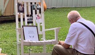 Panna młoda pokazała zdjęcie dziadka