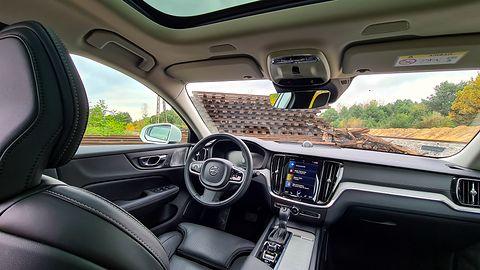 Volvo V60 Cross Country: System info-rozrywki, audio Bowers & Wilkins i systemy bezpieczeństwa