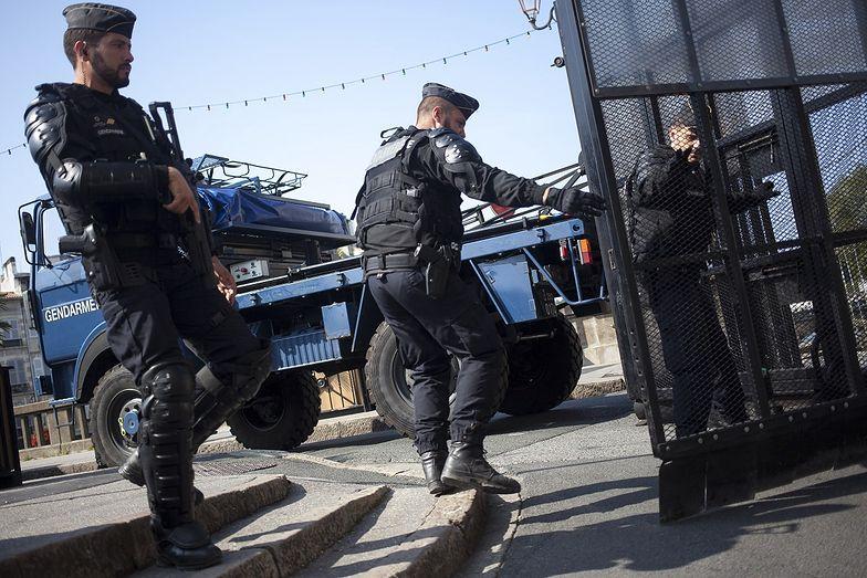 Morderstwo pod Paryżem. Trwa wielka akcja policji