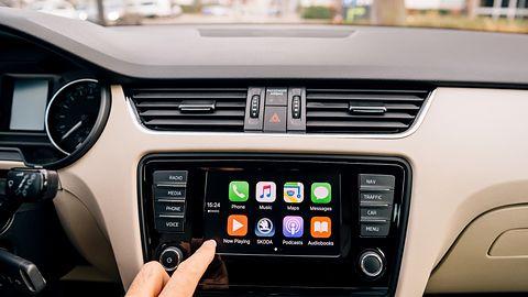 Niespodziewana nowość w Android Auto: wkrótce do samochodów trafi obsługa aplikacji Apple'a
