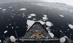"""Lodołamacze kluczem w arktycznej rozgrywce. """"FP"""": USA zostają w tyle"""
